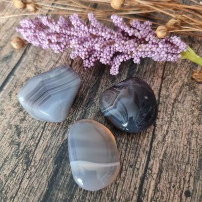Agate du botswana pierre roulee