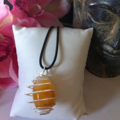 collier-cage-calcite-orange-a.jpg