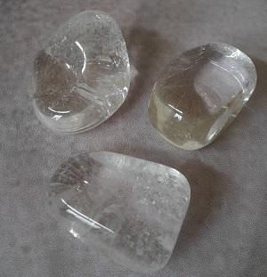 Cristal de roche pierre roulee 1