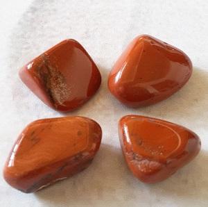 Jaspe rouge pierre roulee
