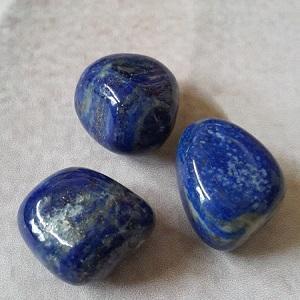 Lapis lazuli pierre roulee