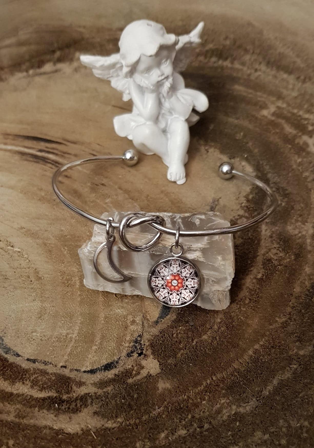 Love care for soul bracelet noeud