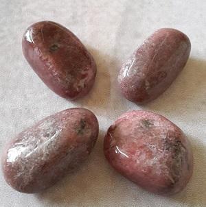 Rhodonite pierre roulee